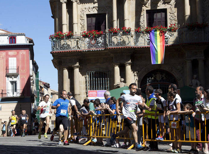 Ayrton Azcue e Izaskun Osés ganan la 32ª Carrera del Encierro